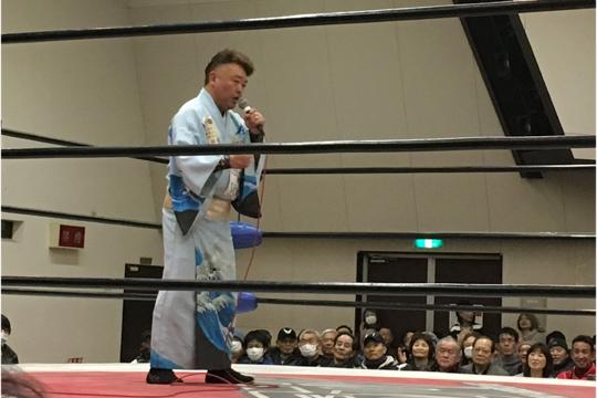 気仙沼二郎選手がオープニングで歌を披露