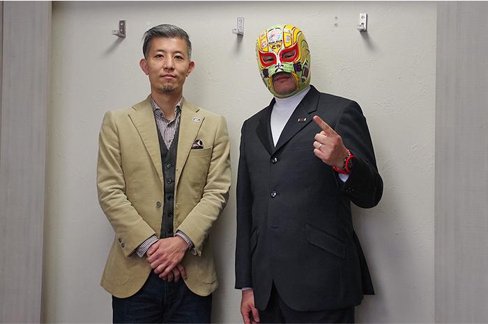 伏木オーナーと一緒に出来上がったスーツで記念写真