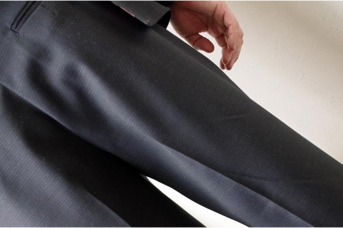 今回作ってもらったズボンは足が長く見えるそうです!