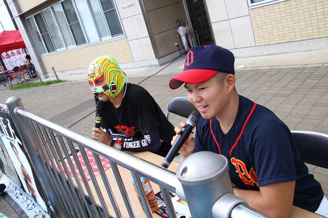 06ブルズとドラゴンゲートのチャリティ野球大会